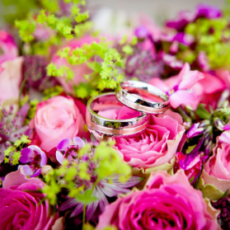 roses-wedding-rings